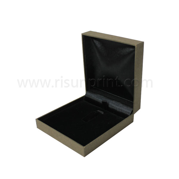 Black Inner Velvet Necklace Boxes For Sale